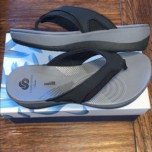 Clarks flip flops